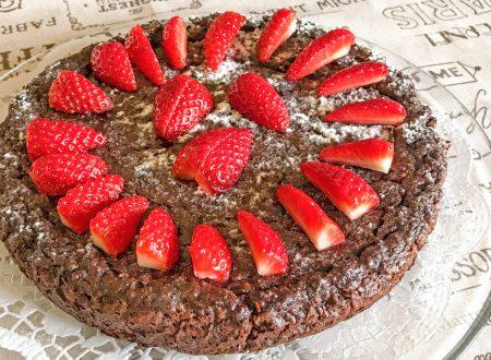 Torta quinoa e cioccolato, ricetta facile, senza farina e burro