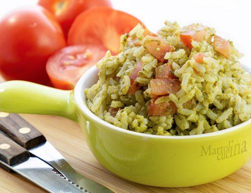 Riso pesto e pomodori, facilissimo velocissimo e super buono