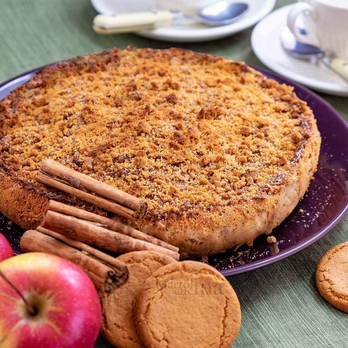 Torta di mele, ricotta e biscotti