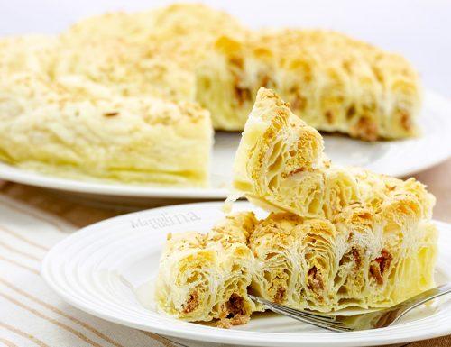 Torta salata con crema di ceci e prosciutto, facile e golosa