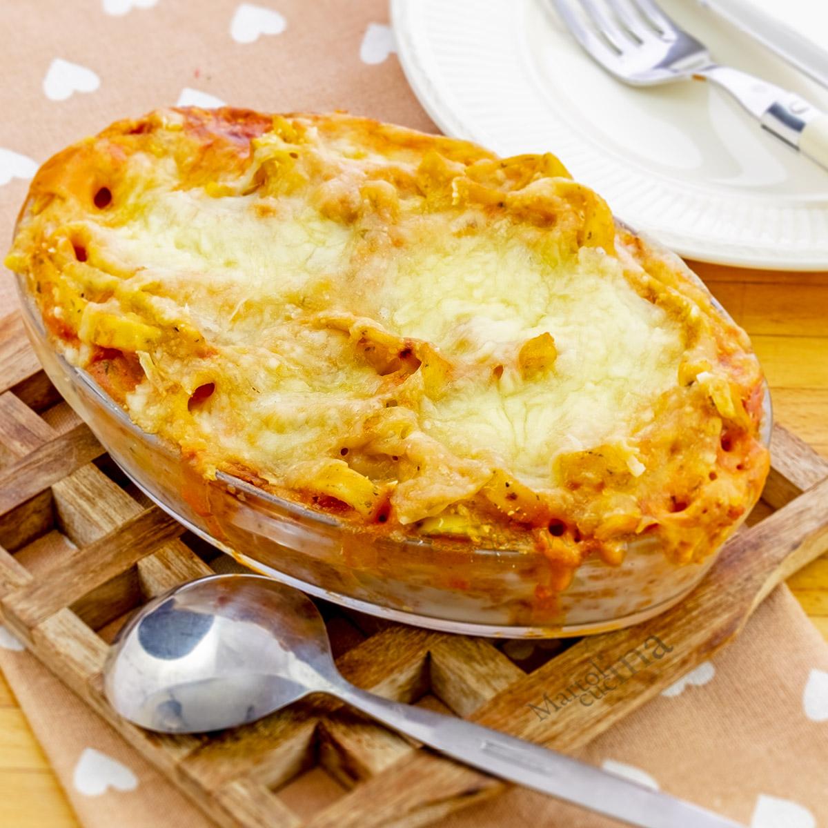 Pasta al forno con ragù di salsiccia