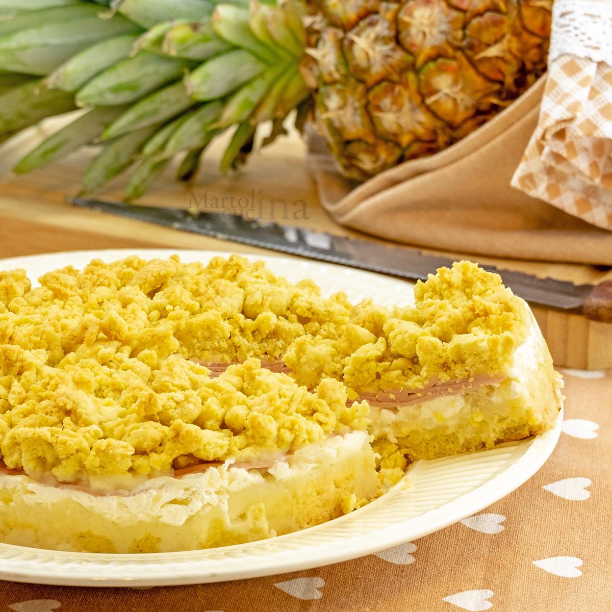 Sbriciolata salata con prosciutto e ananas