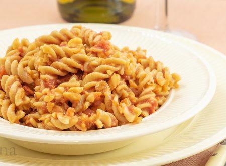 Pasta con ragu di ceci, primo vegetariano, con ingrediente particolare