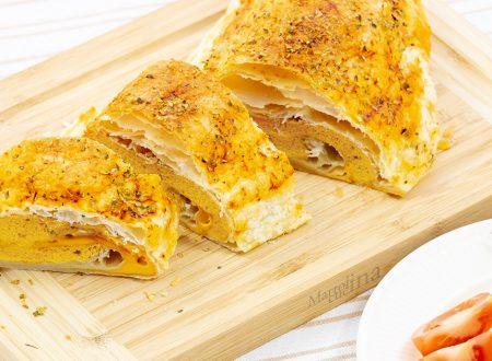 Rotolo di frittata in crosta, gusto pizza, irresistibile