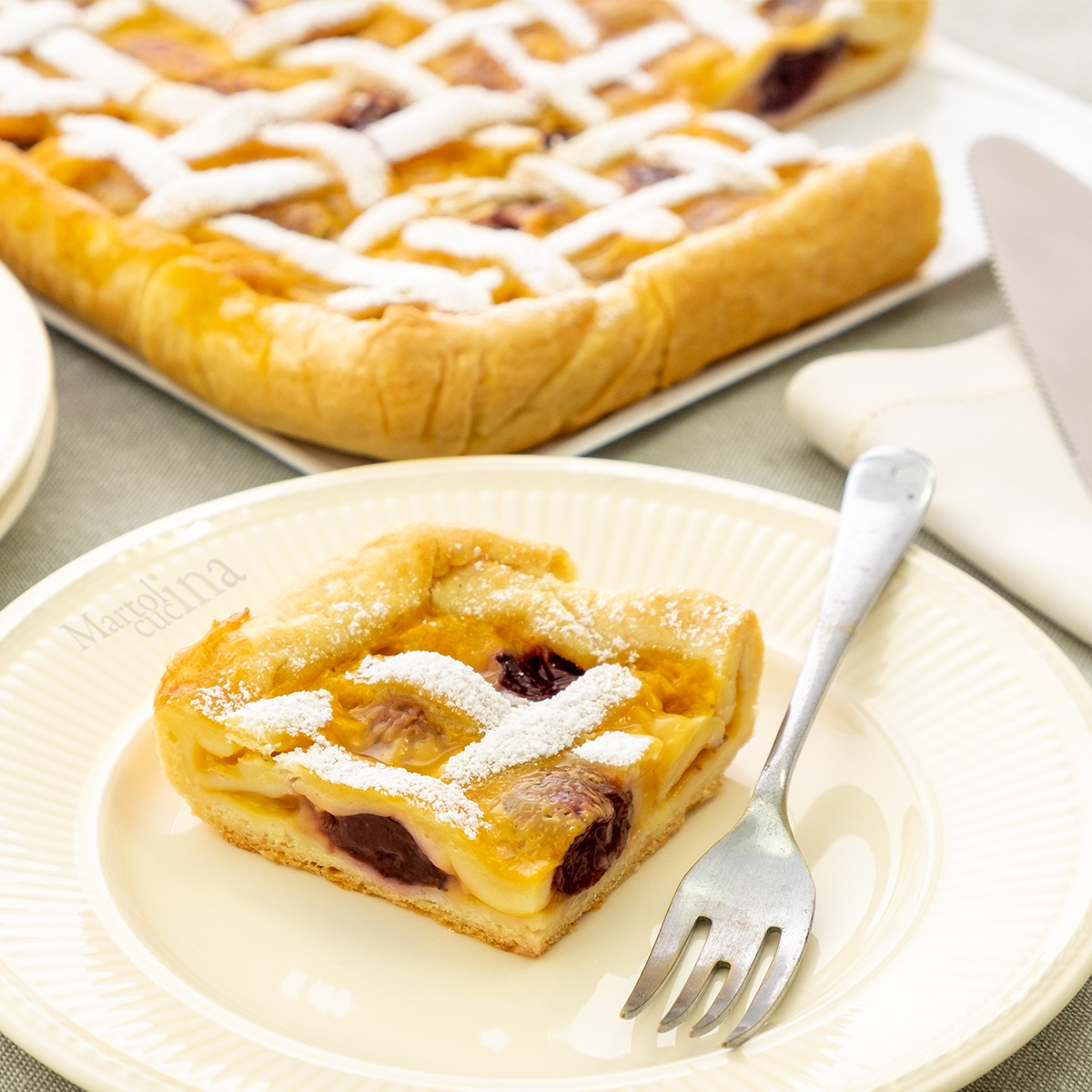 Crostata con crema amarene