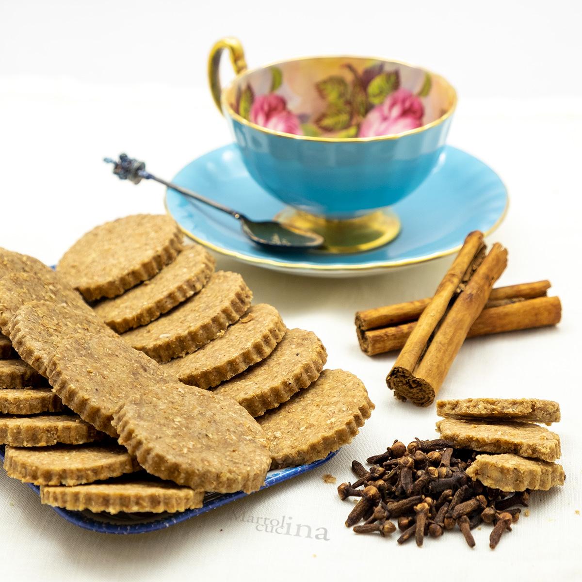 Biscotti integrali alle spezie