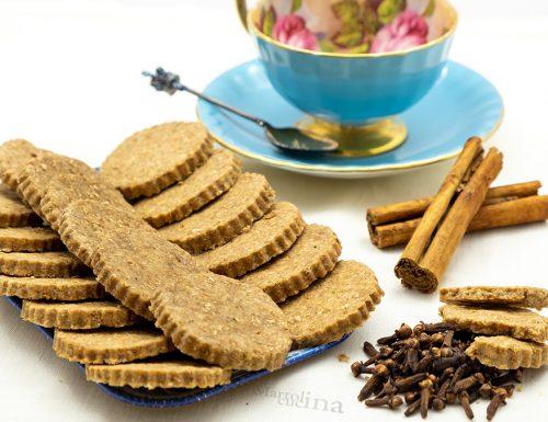 Biscotti integrali alle spezie, senza burro uova e latte, vegani