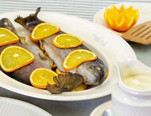 Pesce all'arancia al cartoccio, secondo leggero e saporito