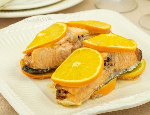 Salmone agli agrumi, pesce al forno, ricetta facilissima e raffinata