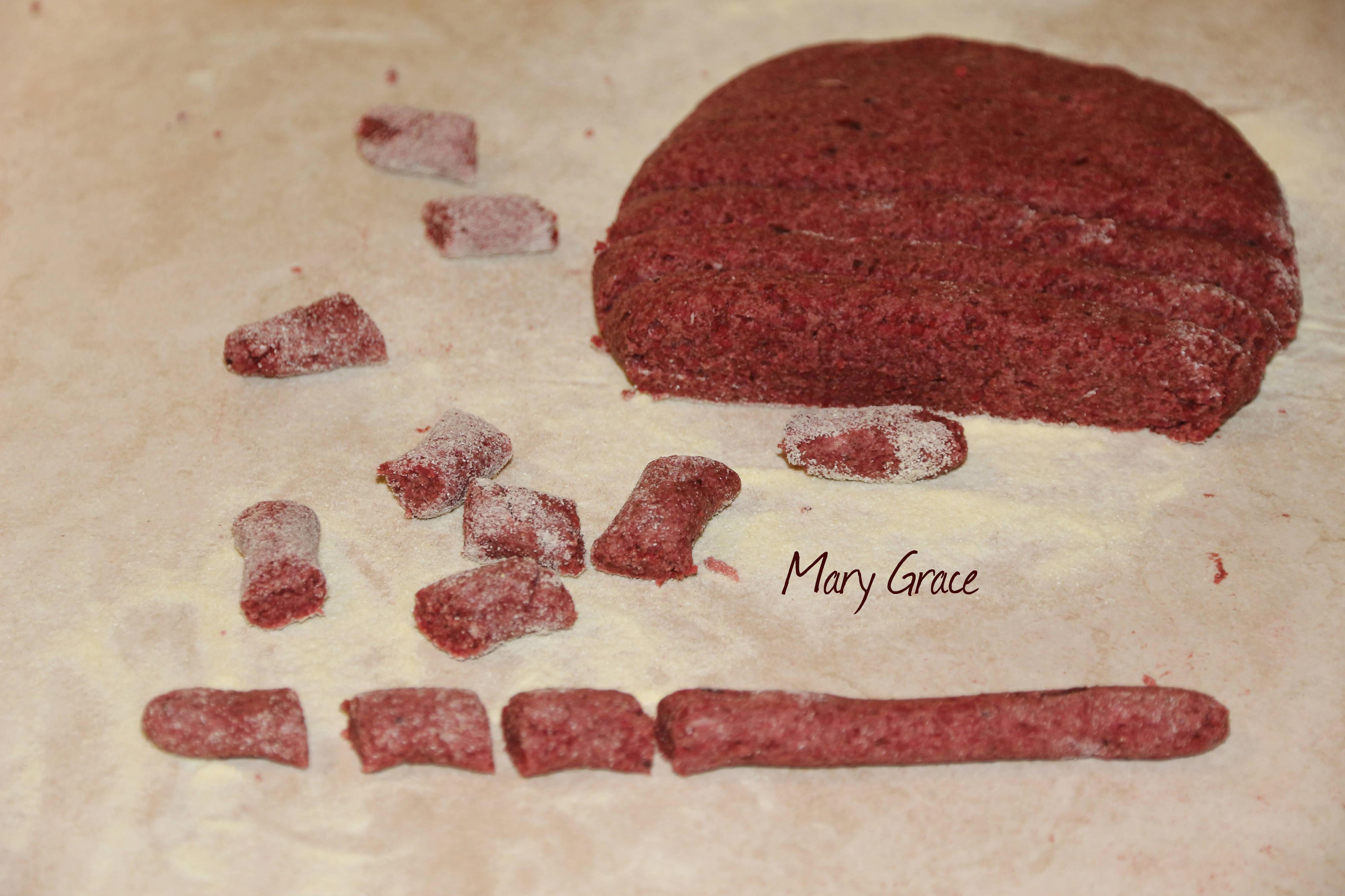 Gnocchi di cous cous e rapa rossa