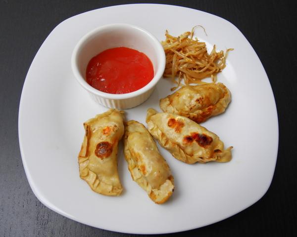 Ravioli cinesi verdure salsa agrodolce germogli soia for Gamberi alla piastra cinesi