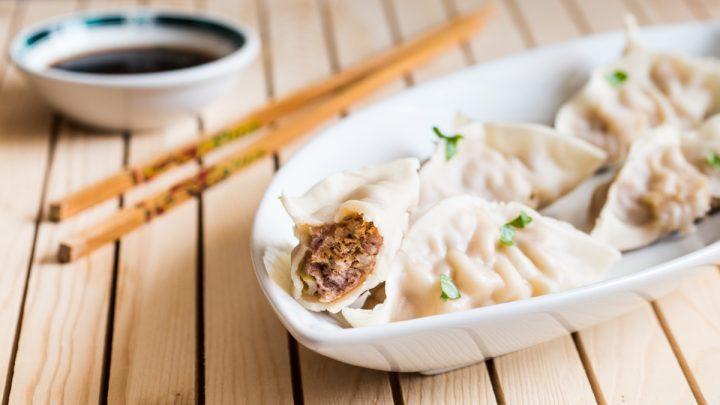 Ravioli cinesi di maiale al vapore