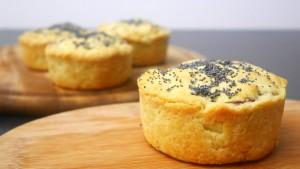 Scrigni di brisée con radicchio, olive e formaggio