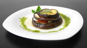 Torrette di melanzane, bufala e pomodorini confit con salsa al basilico