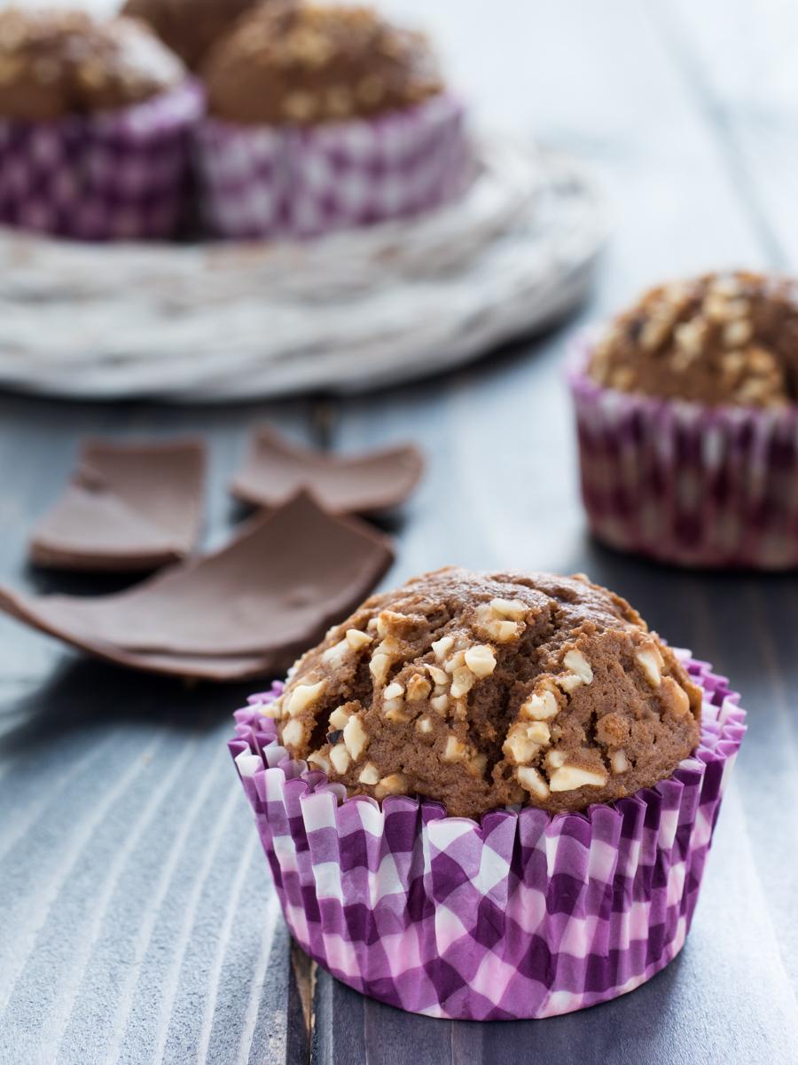 Muffin cioccolato al latte e granella di nocciole