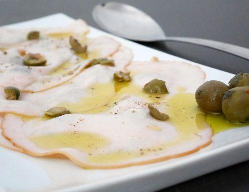 Fesa di tacchino marinata con olive