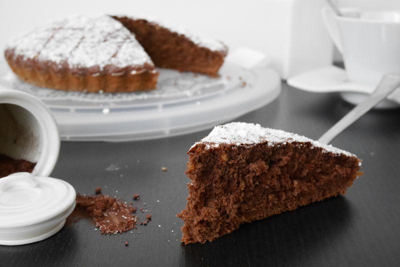 Torta cacao e granella di nocciole