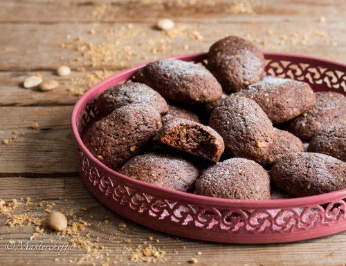 Biscotti morbidi al cioccolato e mandorle