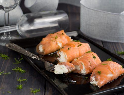 Involtini di salmone affumicato alla ricotta