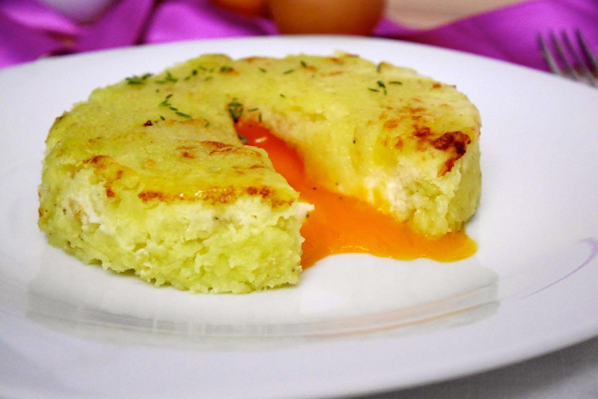 Medaglioni di patate ripieni di uova | Mastercheffa