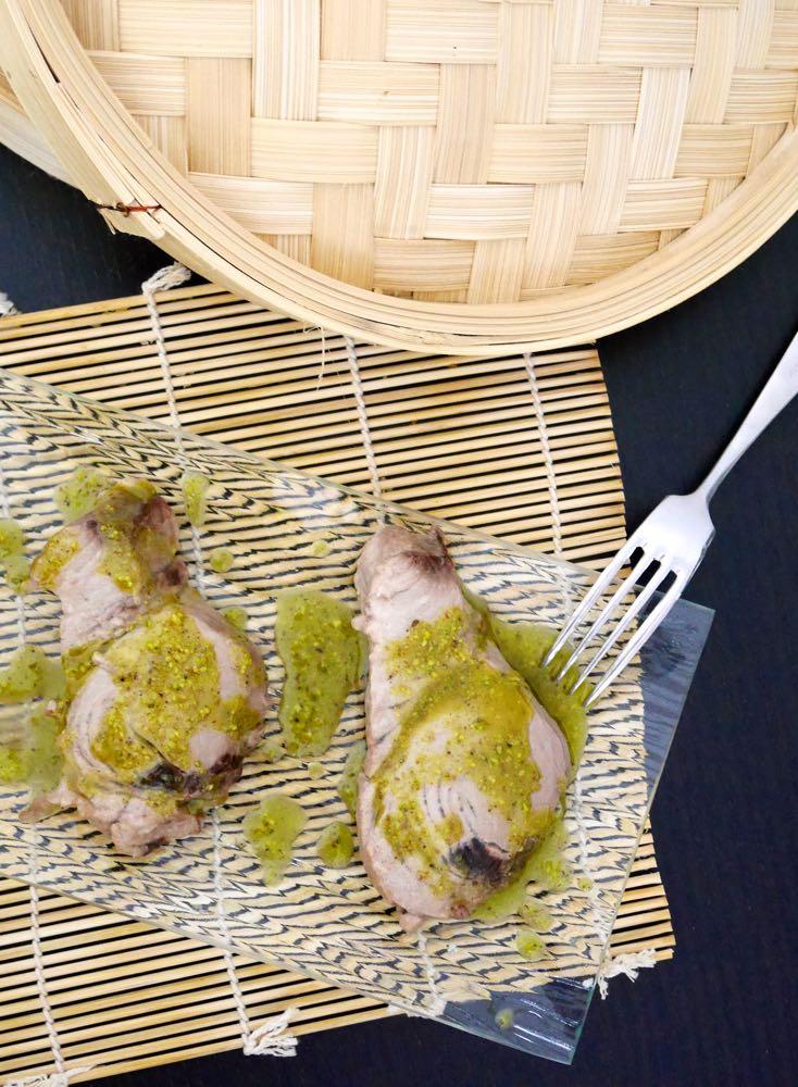 Tonno al vapore con salsa al pistacchio