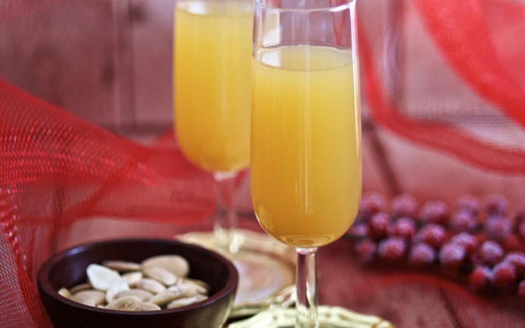 Bellini Cocktail con succo di pesca