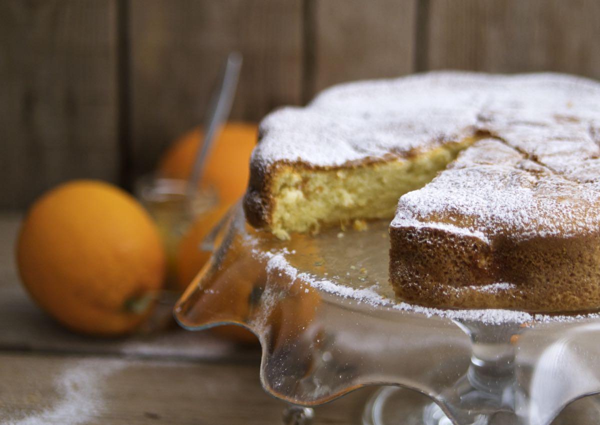 Torta nua alla marmellata d'arance