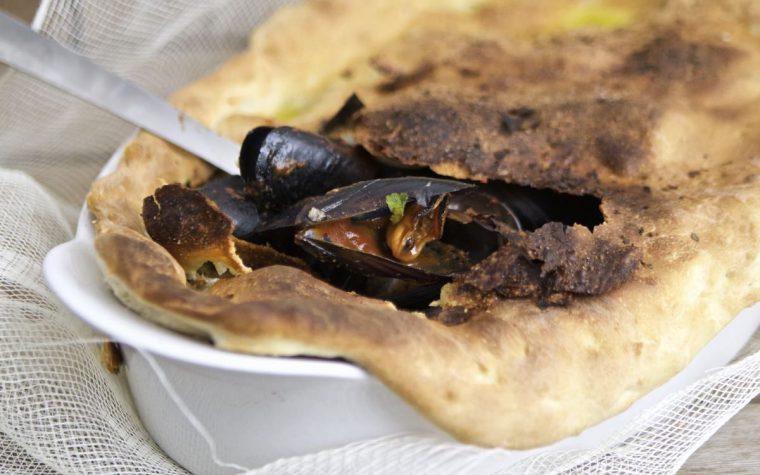Zuppa di cozze in crosta