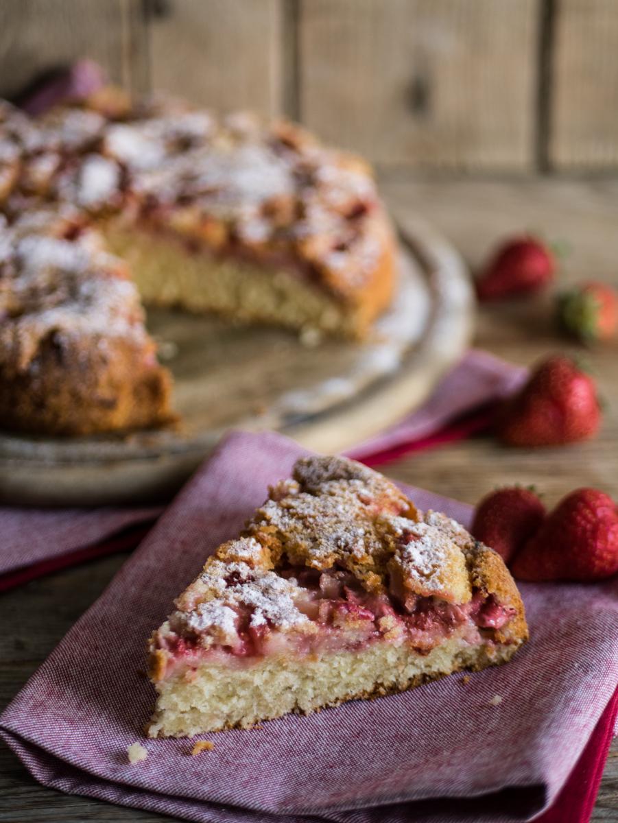 Torta soffice fragole e panna