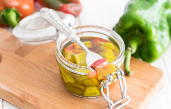 Peperoni sott'olio al basilico