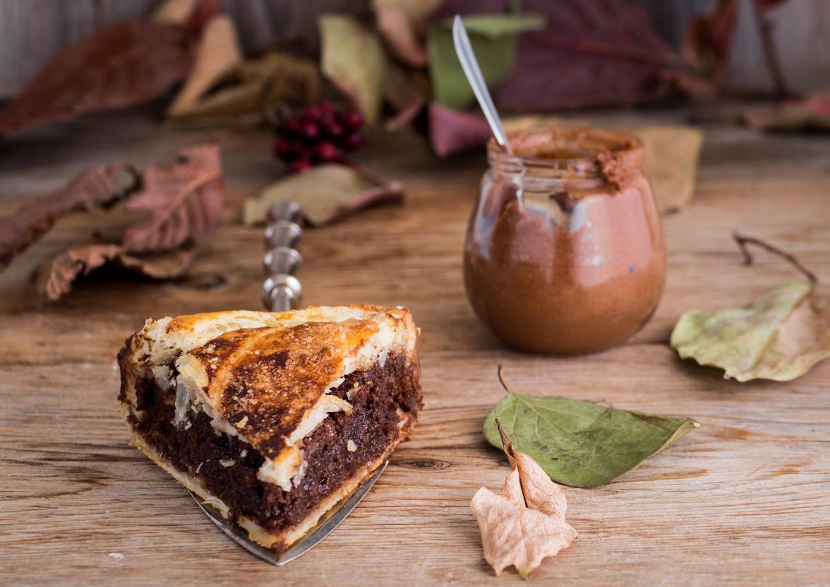 Galette des rois al cioccolato - dolce francese dell'Epifania