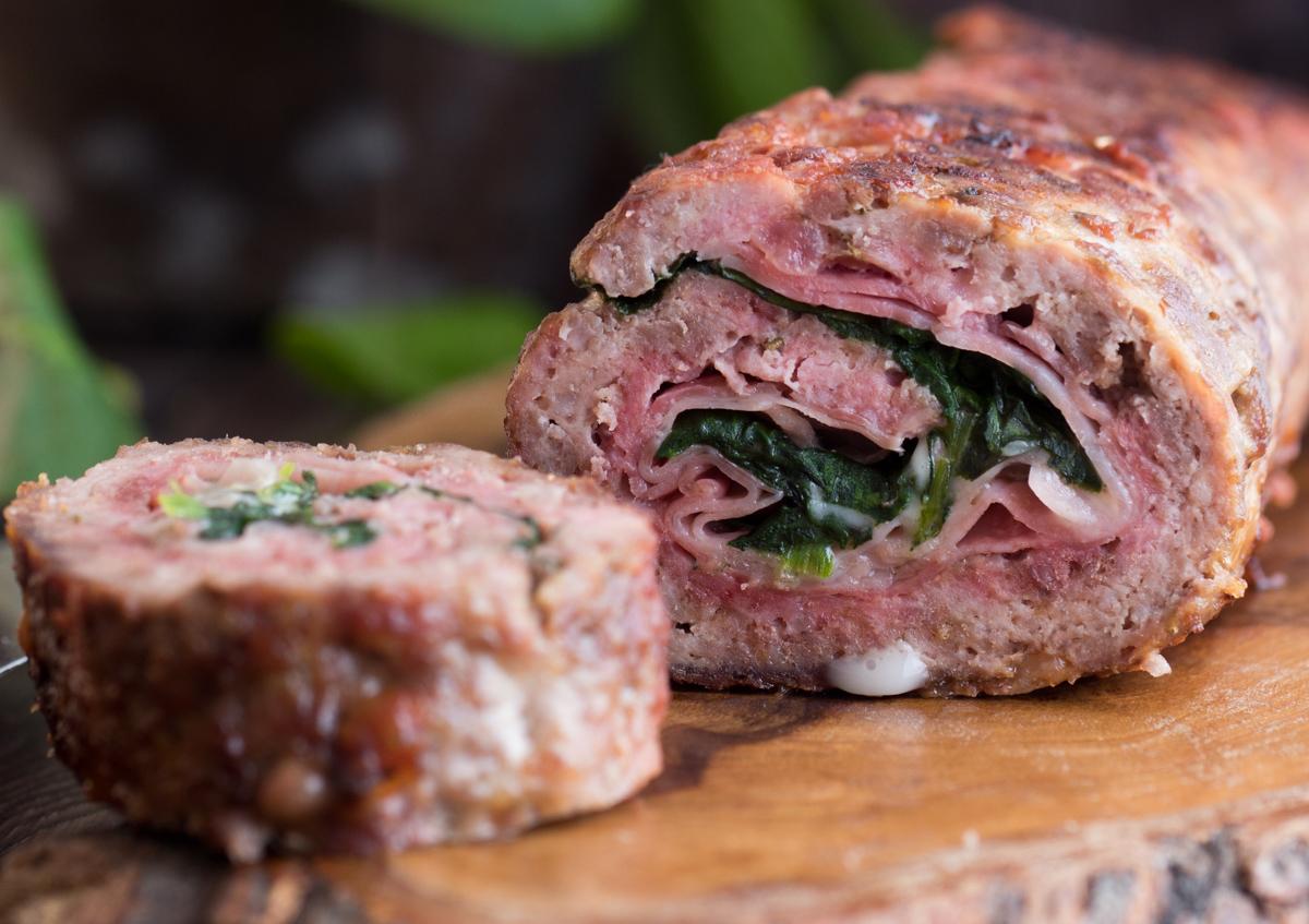 Polpettone di carne con prosciutto e spinaci