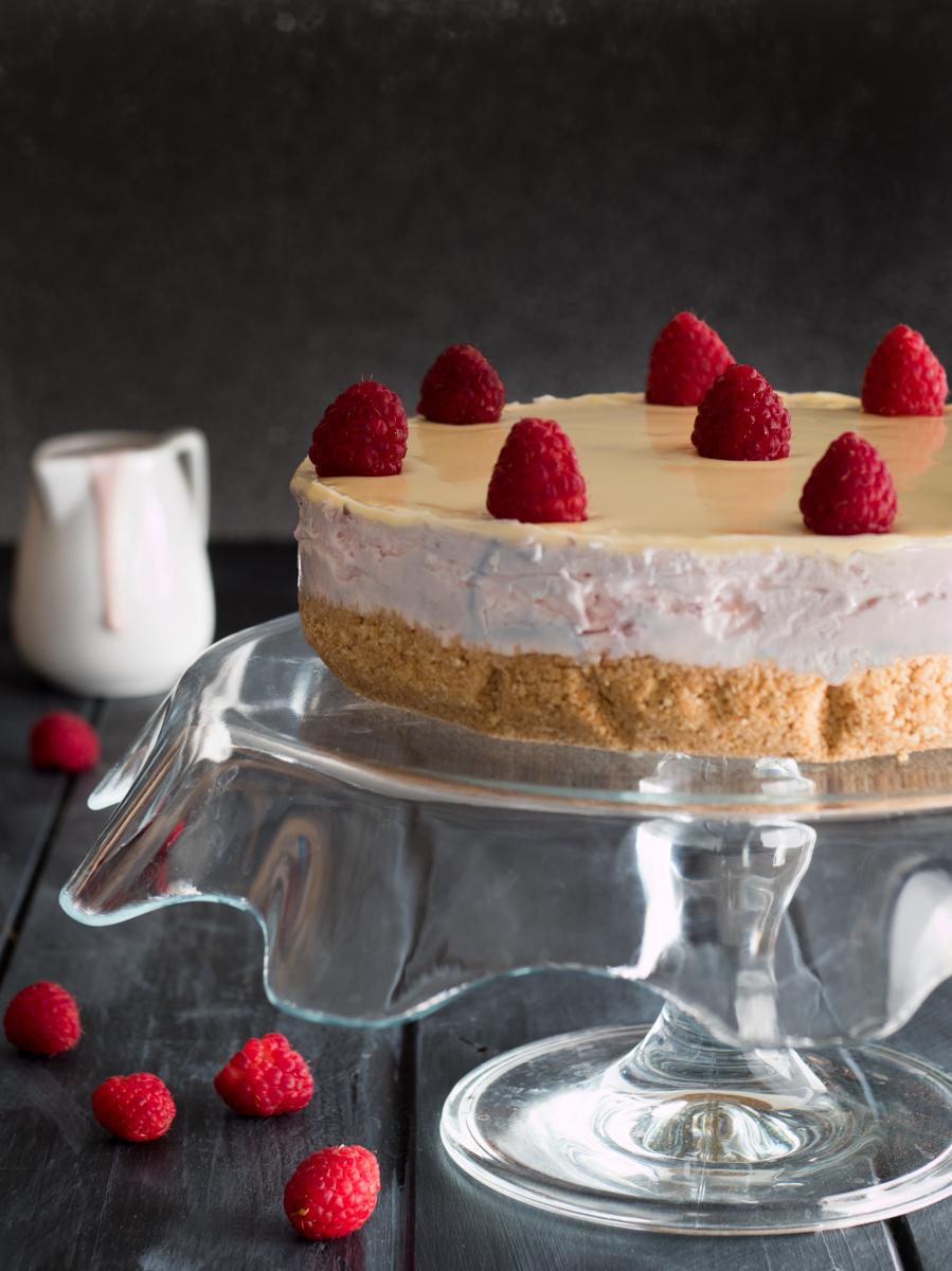 Torta allo yogurt lamponi e cioccolato bianco