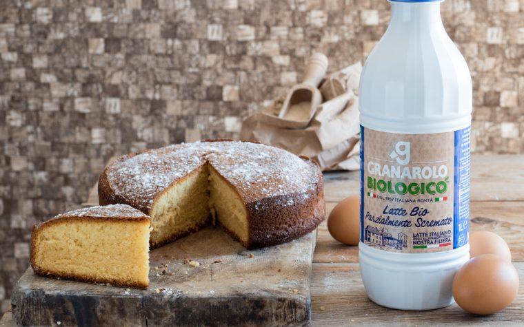 Torta al latte caldo – perfetta per la colazione