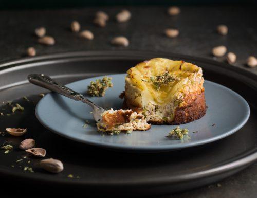 Tortino di ricotta e pistacchi con petali di patate