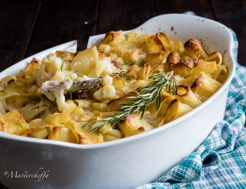 Pasta e patate al forno con pancetta