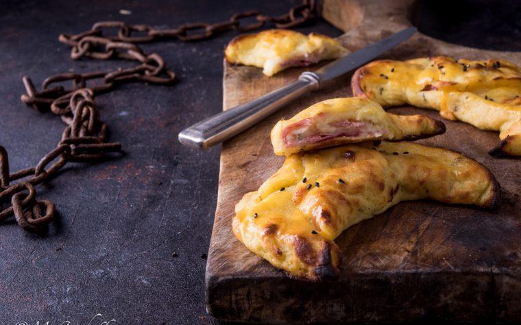 Cornetti di patate prosciutto e fontina