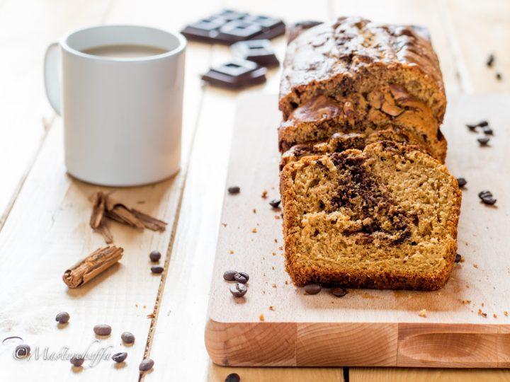 Plumcake cappuccino e panna montata con cioccolato