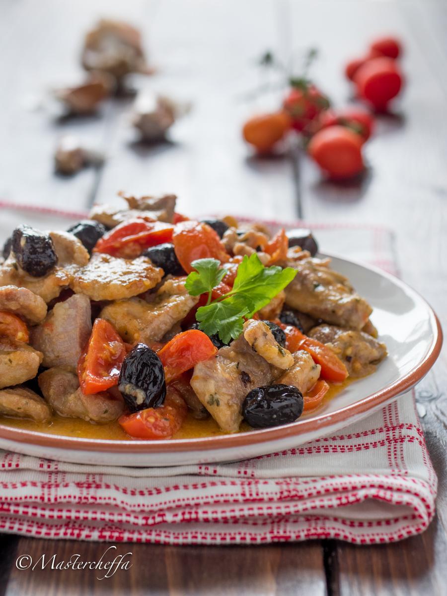 Straccetti di tacchino pomodorini e olive