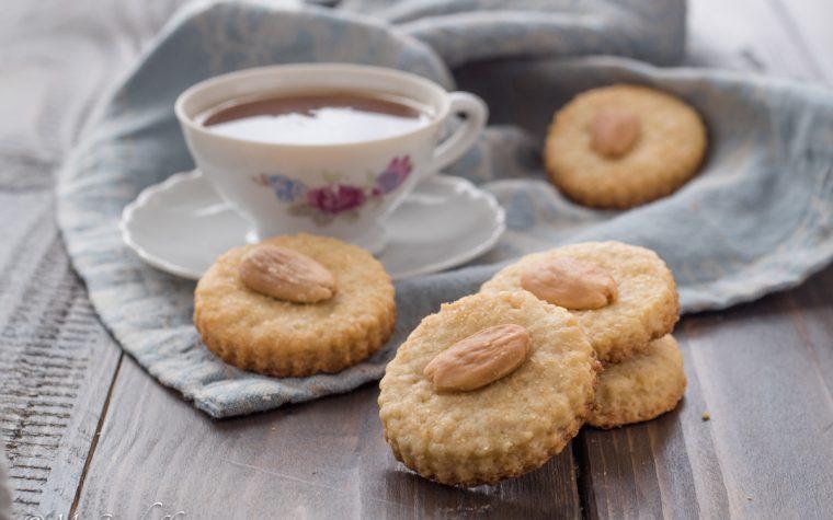 Biscotti alle mandorle veloci e fragranti