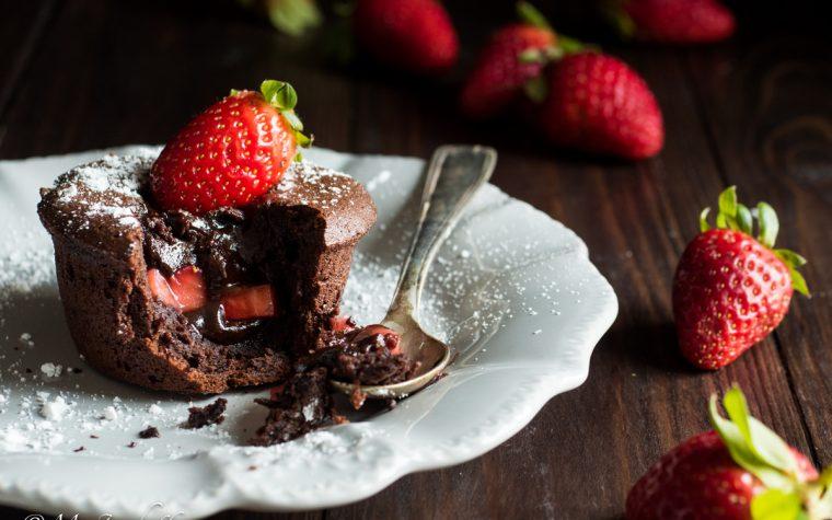 Tortino dal cuore morbido fragole e cioccolato