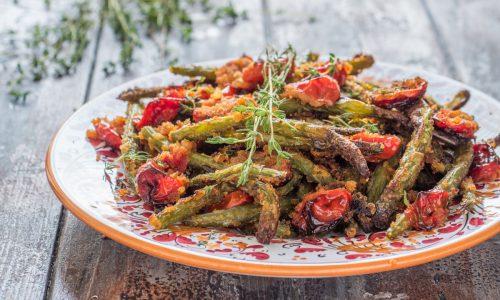 Fagiolini al forno sabbiosi con pomodorini