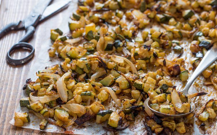 Zucchine e cipolle alla paprika al forno