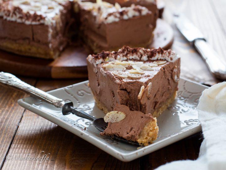 Torta allo yogurt cioccolato e mandorle