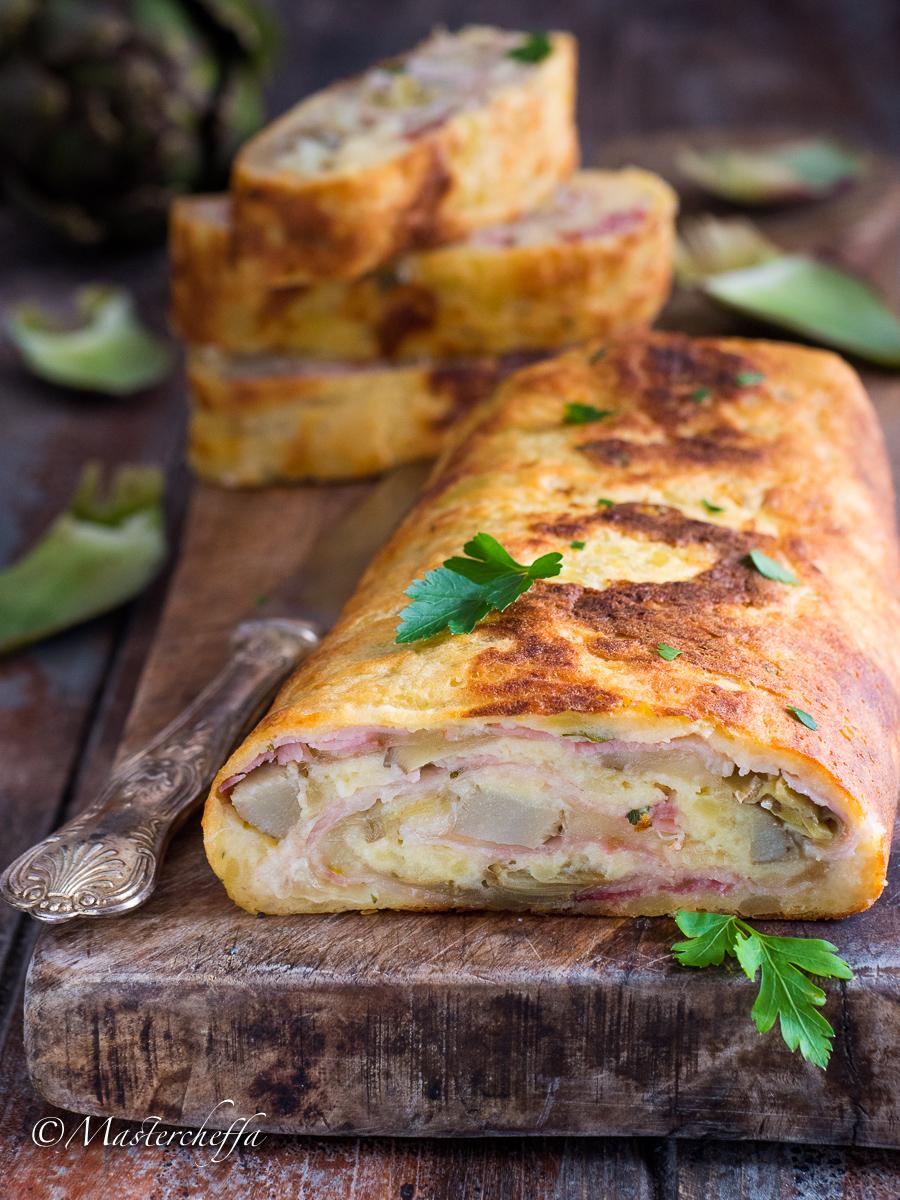 Rotolo di patate ai carciofi con formaggio e prosciutto alle erbe