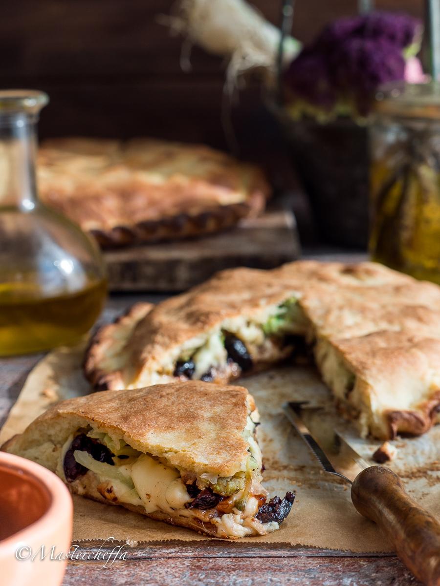 Scacciate catanesi - ricetta schiacciata siciliana - Mastercheffa