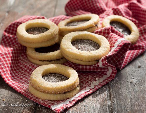 Biscotti occhio di bue con crema gianduia