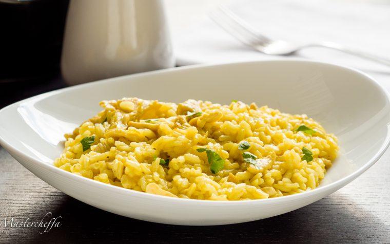 Risotto pollo e curry – ricetta dal profumo orientale