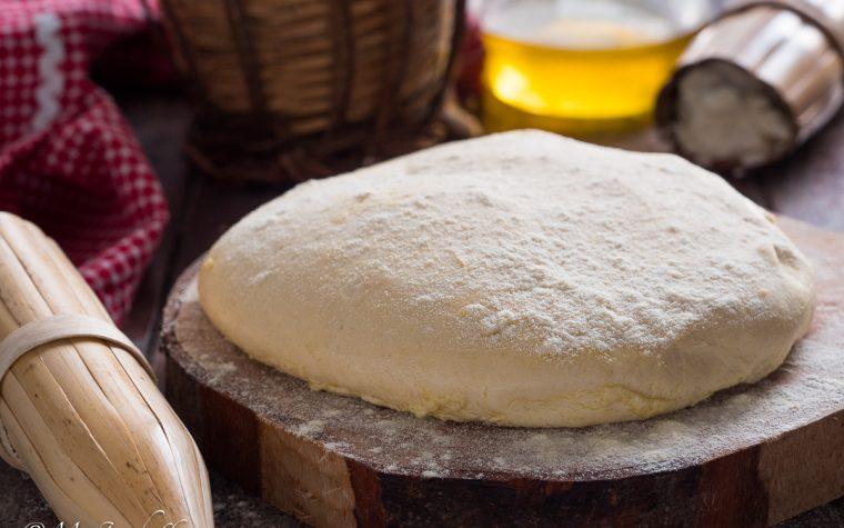 Pizza con ricotta nell'impasto – ricetta base