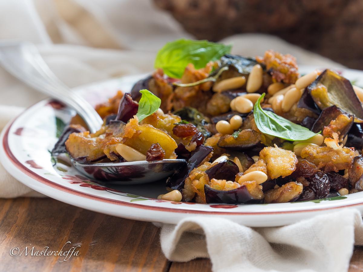 Ricetta Melanzane In Agrodolce.Melanzane In Agrodolce Alla Siciliana Con Uvetta E Pinoli Mastercheffa